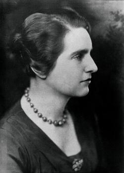 Lois Cole '24