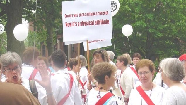 r2006-parade-nancy-barbara